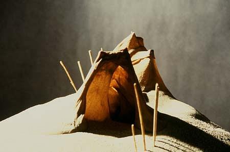 Dominique Morel, Fictif Container NL (Detail) 1989, cotton, wax, sand