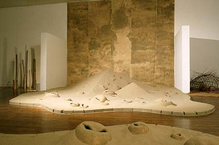 Keiko Nelson, Untitled 1999, clay, sand