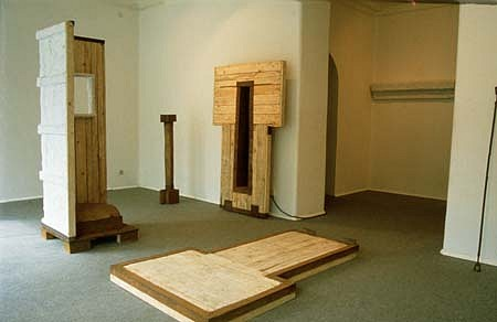 Roman Makse, Complex Objects and Space 1989, iron, wood, plaster, cloth, wax