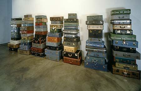 Zoe Leonard, Amelia Earhart 2000, 77 suitcases