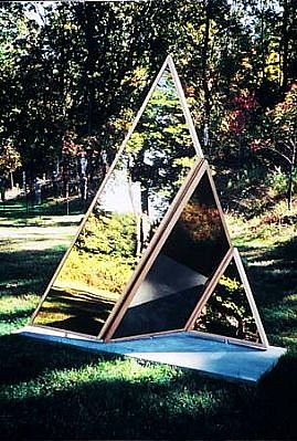 Anthony Krauss, Angled Illusions 2002, mirrored aluminum and cedar