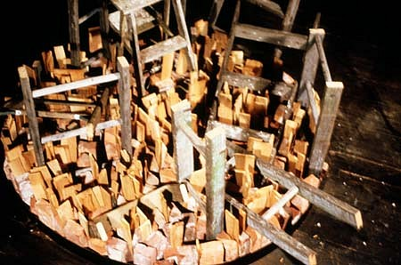 David Kramer, Platteau 1989, steel, wood, ladder, brick