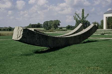Claes Hake, Untitled grey granite