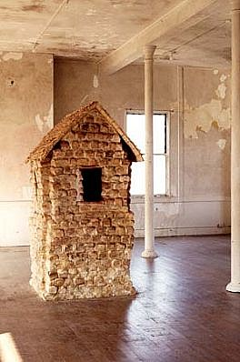 Sheila Ghidini, Dwelling 1993, constructed of loaves of bread