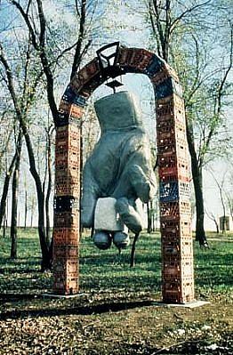Joseph Girandola, Keystone 2001, aluminum, marble, steel, milk crates