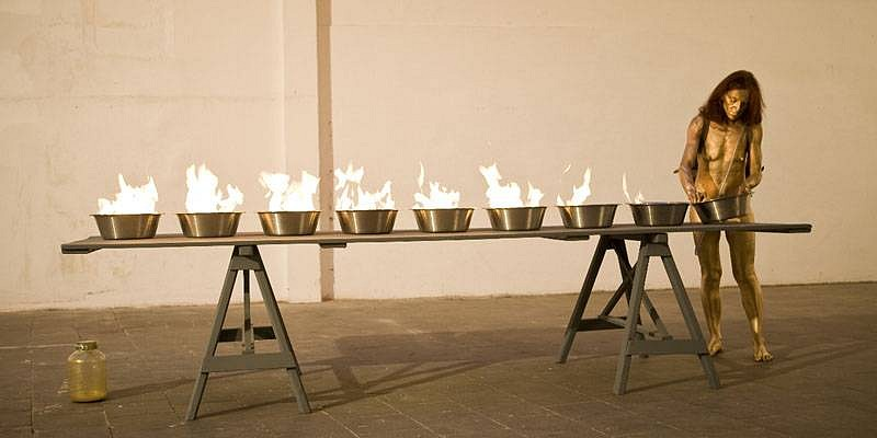 Marie Julia Bollansee, The Table Exercise 2008, performance/ installation