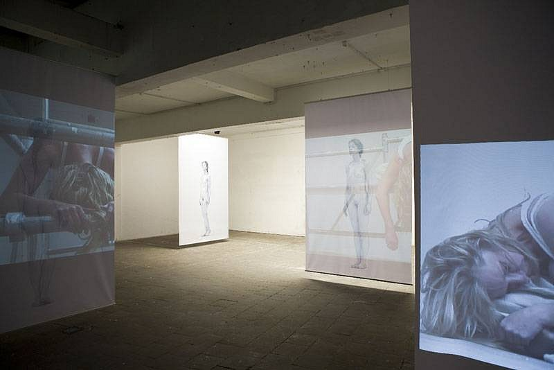 Marie Julia Bollansee, Zone 2008, sculptural video/ photo installation