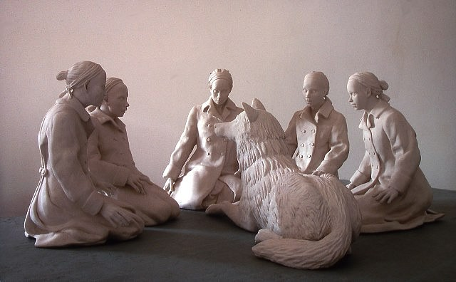 Tricia Cline, Papa Wolf Sings to the Acolytes 2006, porcelain
