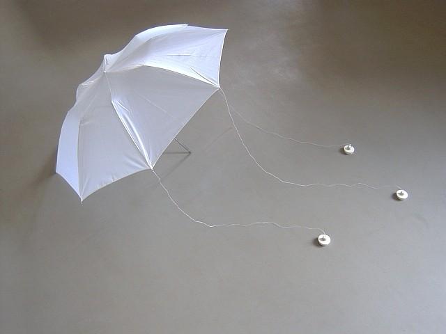 Tomas Hlavina, Position 2004, umbrella, thread, stoppers