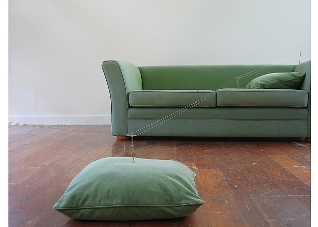Kathryn Kenworth, Untitled 2005, couch, wood, wire