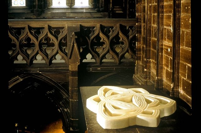Nicholas Kripal, Cathedral Labyrinth 2001, cast wax