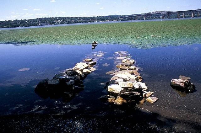 Raquel Rabinovich, Emergences, Riverfront Park 2002, algonquin field stone, on-site stone