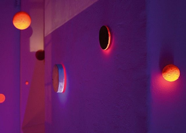 Marek Radke, The Waypoint N 51 degrees, 55' E 008 degrees 39, 57' 2007, installation with UV light