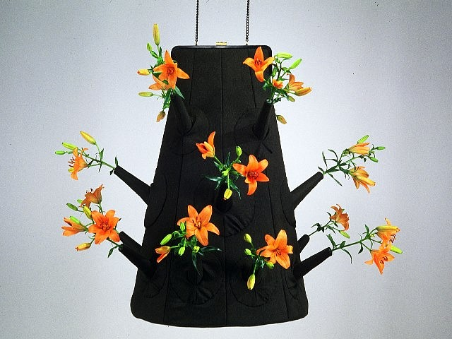 Rachel Selekman, Fresh Purse 2005, pocketbook frame, fabric, thread, chain, flowers and mixed media