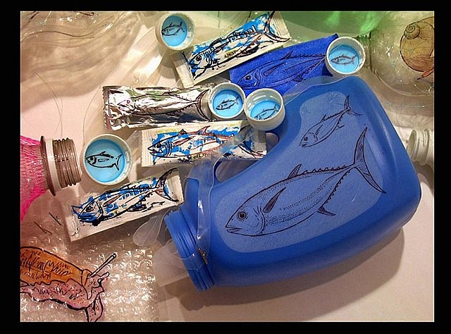 Melissa Stang, Bluefin Tuna 2007, marker on plastic garbage