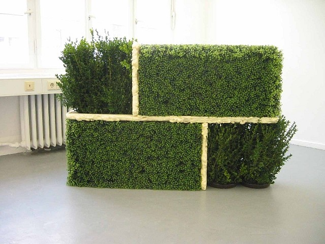 Oona Stern, Model for Dreamy 2003 - 2004, live and synthetic hedge, wood, foam insulation