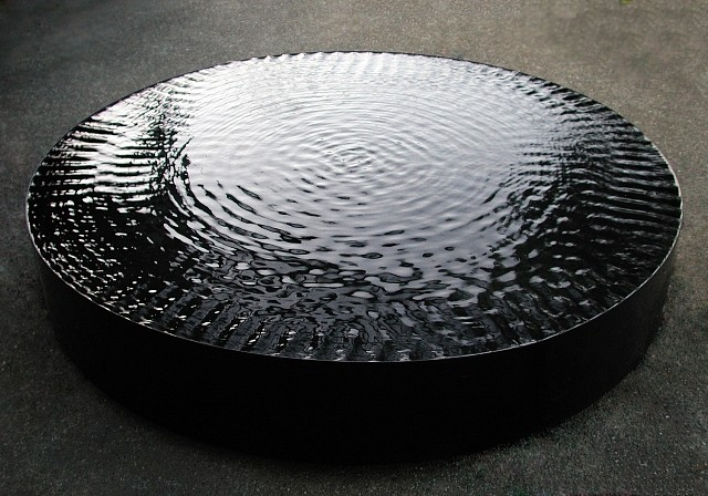 Eric Tillinghast, Round Tank 2009, water, steel, vibrating motor