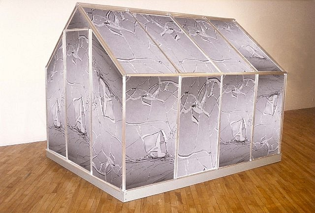 Nina Yankowitz, Breaking Glass House 2004, lenticular panels and metal frame