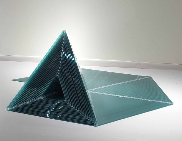 Marta Chilindron, Pyramid 2006, twin-wal polycarbonate and plastic hinges