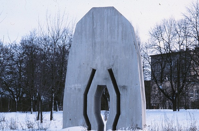Tom Bills, Lodz Poland 1990, cast concrete