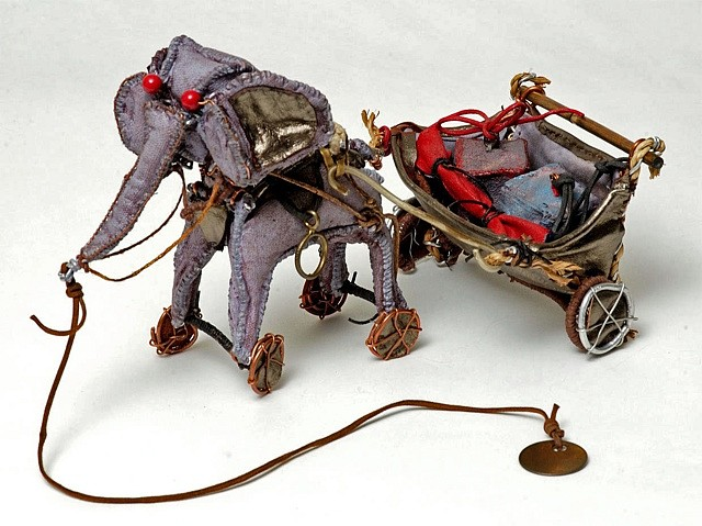 Nancy Clark, Elephant on Parade 2005, canvas, wire, acrylic, leather and bamboo