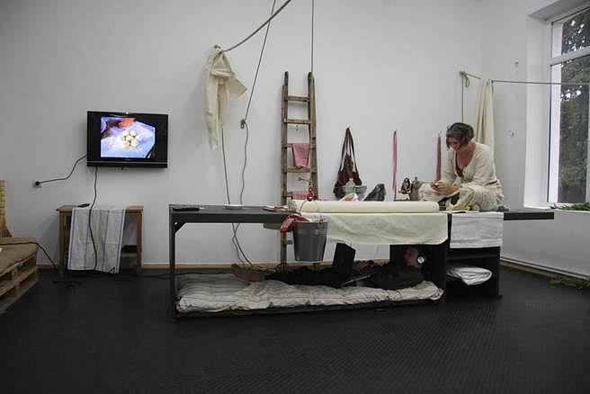 J. Morgan Puett, HumanUfactorY(ng) Workstyles: The Workstyles Clothing Apparatuses 2014, mixed media and parts