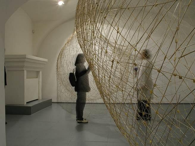 "Miroslaw Maszlanka, Luk (""Bow"") 2005, wax and grass"